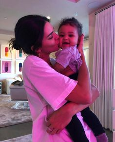 Kendall Jenner missed the biggest Kardashian-Jenner party of the year so far: Stormi World, the amusement-park first birthday that her sister Kylie Jenner spent months planning for her daughter Stormi Webster. Kendall Jenner Outfits, Kendall E Kylie Jenner, Travis Scott Kylie Jenner, Trajes Kylie Jenner, Looks Kylie Jenner, Scott Jenner, Kylie Jenner Room, Kendall Jenner Birthday, Kendall Jenner Instagram