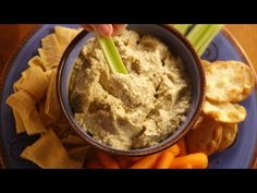 This classic smoky, garlicky Middle Eastern roasted eggplant spread is easy to make at home. Roasted Eggplant Dip, Roast Eggplant, Baked Eggplant, Mini Quiches, Pain Pita, Homemade Ravioli, Nutrition, Middle Eastern Recipes, Delish
