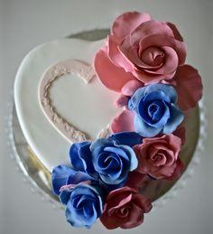 J&N Birthday cake #redvelvet #pantone2016 #fondant #sugarart #heart #roses #whitechocolatebuttercream #wantcake?