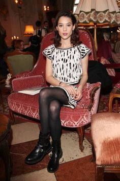Astrid Berges-Frisbey a Chanel Brand Ambassador sitting front row at the CHANEL Pre-Fall 2015 Paris-Salzburg Metiers d'Art Collection in Salzburg, Austria on December Fashion Shows 2015, Fashion Week, Spring Fashion, Womens Fashion, Chanel 2015, Chanel Fashion Show, Fall Shows, Clubbing Outfits, Chanel Brand