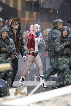 More Detailed Set Photos of Suicide Squad's Harley Quinn http://geekxgirls.com/article.php?ID=4660