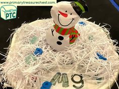 Christmas/Winter Themed Phonics Tuff Tray Ideas - Primary Treasure Chest Christmas Activities, Christmas Crafts For Kids, Christmas Ornaments, Tuff Tray, Sound Art, Messy Play, Letter Sounds, Eyfs, Mark Making