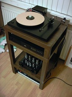 High end audio audiophile Lack Hack Hi-Fi Stand. Wonderful.
