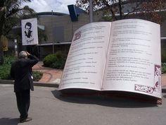 Libro gigante by Juansemo, via Flickr - #BookArt #Sculptures #AlteredBooks #Photographs #BookDesign #BookPaper #BookSculptures #Installation #RecycledBook #Bookish