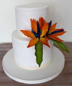 Sugar bird of paradise flower small wedding cake ivory white bright flowers