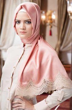 Neva Style - Dantelli İpek Görünümlü Şal Beautiful Hijab, Most Beautiful Women, Hijab Chic, Girl Hijab, Pashmina Scarf, Abaya Fashion, Modest Outfits, Scarf Styles, Shawl