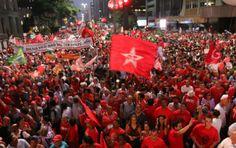 'Brasil será incendiado por greves e ocupações se houver impeachment e prisão de Lula' diz Boulos
