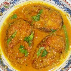 Mustard Fish Curry Recipe ( Macha Besara Curry Recipe ) is very popular in Odisha and West Bengal. Basically it is a Bengali recipe, but it is also very popular in Odisha. There are two different variants for for this recipe. You can prepare it as gravy style and also little bit dry (fry) style with mustard paste.
