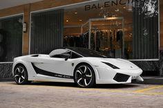 Lamborghini Gallardo Roadster. Love this paint job!