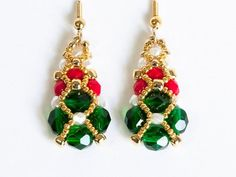 Christmas Earrings in Emerald Green, Opaque Red, White Pearl, and Gold Seed Beads - Beadwoven Earrings - Seed Bead Jewelry - Beadweaving Seed Bead Bracelets, Seed Bead Jewelry, Seed Bead Earrings, Seed Beads, Beaded Jewelry, Dangle Earrings, Jewelry Making Tutorials, Beading Tutorials, Bracelets