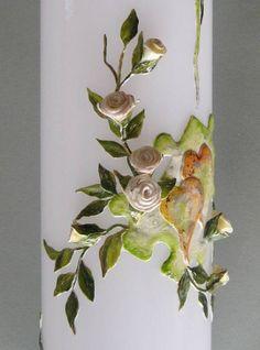 Hochzeitskerze mit cremefarbenen Rosen // Wedding candle with small creamy coloured roses
