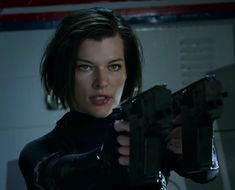 Milla Jovovich as Alice ❤ Resident Evil 3 Remake, Alice Resident Evil, Female Assassin, Beautiful Haircuts, Horror Monsters, Gorgeous Eyes, Beautiful Women, Aesthetic Beauty, Milla Jovovich