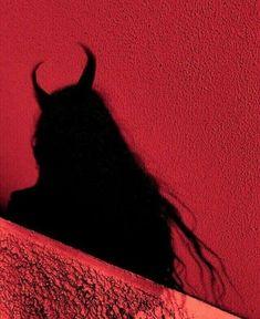 Horns like the devil Aesthetic Colors, Aesthetic Images, Aesthetic Grunge, Aesthetic Photo, Aesthetic Wallpapers, Demon Aesthetic, Bad Girl Aesthetic, Tumblr Wallpaper, Image Swag