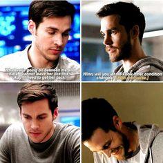 "Mon-El when Kara was in coma vs Mon-El when Imra ""his wife"" was in coma Kara And Mon El, Kai, Chris Wood, Supergirl And Flash, Melissa Benoist, Love My Family, The Flash, Vampire Diaries, Arrow"