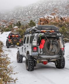 Packed up and ready to hit the desert for the weeekend // Jeep Wrangler Jeep Wrangler Camping, Jeep Camping, Jeep Wrangler Rubicon, Jeep Wrangler Unlimited, Camping Trailers, Off Road Jeep, Jeep Jku, Jeep Photos, Jeep Mods