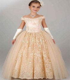 08d87f3f6de43e 42 populaire afbeeldingen over Bruiloft Bloem Meisjes - Long gowns ...
