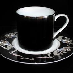 Impromptu Caffe Noir fine #dinning #porcelain #tableware #platinum #figures #coffee #cup #kaffe #artist #kunst #porcelæn #elizabethromhild #hjem #bolig #living #lifestyle