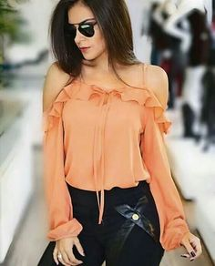 Blouses for women – Lady Dress Designs Women's Summer Fashion, Look Fashion, Hijab Fashion, Fashion Dresses, Womens Fashion, Fashion Design, Classy Outfits, Trendy Outfits, Modelos Fashion