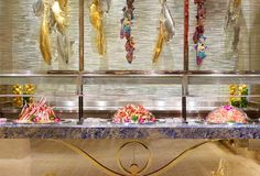 Fill Up on King Crab Legs at Las Vegas' Absolute Best Seafood Buffets Wynn Las Vegas, Visit Las Vegas, Las Vegas Trip, Best Buffets In Vegas, Las Vegas Buffet, Las Vegas Restaurants, French Restaurants, Best Crabs, Seafood Buffet