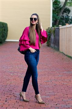 Casual outfits with jeans and heels . Classy Outfits, Chic Outfits, Fall Outfits, Cowboy Outfits, Work Outfits, Look Fashion, Hijab Fashion, Fashion Dresses, Casual Dresses