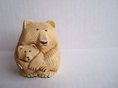 Hey, I found this really awesome Etsy listing at https://www.etsy.com/listing/189956110/artesania-rinconada-brown-bear-holding-a