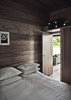 my scandinavian home: A striking Danish log cabin Chalet Interior, Interior Exterior, Interior Design, Wooden Summer House, Eco Cabin, Building A Cabin, Style Rustique, Style Simple, Cabins And Cottages