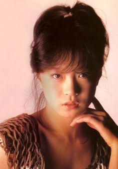 中森明菜 Akina Nakamori, 1980s Idolo J Pop, Portrait Art, Portrait Photography, Japanese Girl, Asian Beauty, Cute Girls, Asian Girl, Pink Ladies, Idol