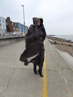 Lightweight full length rubber lined raincape vintage style rubber cape Rain Bonnet, Rain Cape, Rain Wear, Black Rubber, Rain Jacket, Windbreaker, Raincoat, Vintage Fashion, Womens Fashion