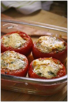 baked stuffed tomatoes with blue cheese. Veggie Recipes, Cooking Recipes, Dinner Recipes, Healthy Recipes, Salada Light, Salade Healthy, Boricua Recipes, Masterchef, Vegetable Casserole