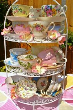 Vintage China Charming Collection Of Vintage Tea Cups - when guests arrive, can choose their own tea cup to use/for keeps! - You'll love these tea cups with lady-like and romantic colours for a fabulous tea party. Vintage Dishes, Vintage China, Vintage Teacups, Shabby Vintage, Vintage Bridal, Cuppa Tea, Teapots And Cups, My Cup Of Tea, Tea Cup Saucer