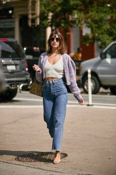 All of the street style inspiration you need from New York Fashion Week New York Fashion, Fashion Week, Star Fashion, Look Fashion, Spring Fashion, Fashion Blogger Style, Fashion Forms, Woman Fashion, 80s Fashion