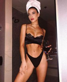 22 tips for a perfect body in just 2 weeks Body Goals Body PERFECT tips weeks Jolie Lingerie, Women Lingerie, Sexy Lingerie, Body Inspiration, Fitness Inspiration, Corps Pour Bikini, Mode Du Bikini, Bikini Modells, Body Motivation
