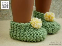 Make adorable knitted slippers for 18 inch dolls — download the FREE craft pattern from Lee & Pearl today.