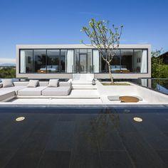 Naman-Villa by MIA-Design-Studio.