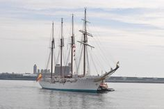 Boston Harbor visitors will get to feast their eyes on a series of #TallShips this summer http://trib.al/0FGvRnU