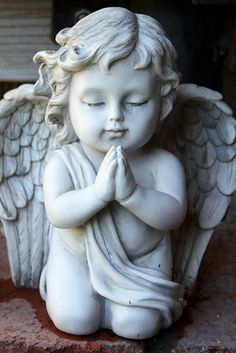 Praying Cherub