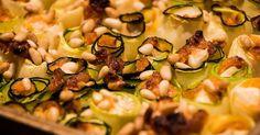 Cuisine-à-Vous - Courgetterolletjes met mozzarella en tomatenpesto