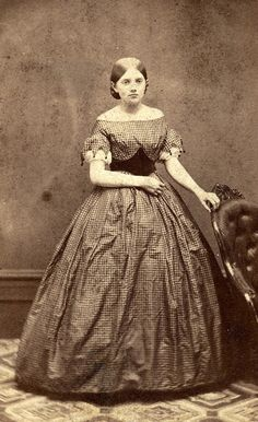 vintage everyday: 30 Vintage Portrait Photos Show Women of Boston from the 1860s