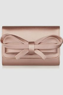 Valentino blush pink clutch with bow Fashion Bags, Fashion Accessories, Fashion Shoes, Girl Fashion, Valentino Handbags, Mode Rose, Bow Clutch, Bow Purse, Shoes