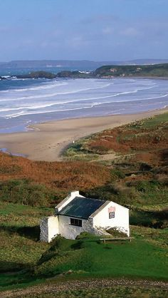 My inner landscape — White Park Bay, Ireland via we traveller Oh The Places You'll Go, Places To Travel, Places To Visit, Beautiful World, Beautiful Places, England Ireland, Irish Cottage, Cottages By The Sea, Ireland Travel