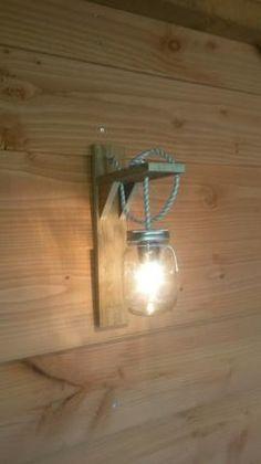 Zelfgemaakte lamp naar idee van foto's van welke. #Pot hema#strijkijzersnoer#fitting#lamp#pallethout
