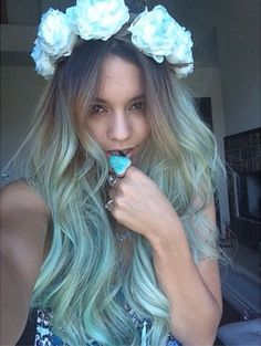 Vanessa Hudgens shows off her new green hair in an Instagram selfie - 31 May 2014