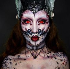 51 Creepy Makeup Make Up On Halloween This Year Diy Halloween, Halloween Makeup Looks, Halloween Costumes, Maquillage Halloween Simple, Maquillaje Halloween, Face Off, Maquillage Sugar Skull, Spider Makeup, Horror Make-up