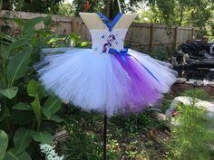 vestido con diadema arco libre de pony blanco. por MommysSweetAngel