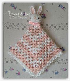 Estas mantitas son fenomenales, hace poco publiqué algunas en mi página La Magia del Crochet , y cómo les decía...los pequeñines las adoran...
