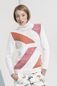 The fresh geometric pattern embellishes this pullover worked in Novita 7 Veljestä Brothers) yarn. The front pattern is worked in stockinette stitch using intarsia knitting. Each color section uses its own yarn ball. Knitting Patterns Free, Free Knitting, Free Pattern, Intarsia Knitting, Yarn Ball, Stockinette, Grey Stripes, Knit Crochet, Sweaters For Women
