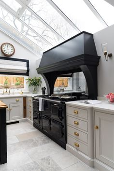 One of the Most Overlooked Systems for Grey Family Kitchen - untoldhouse Family Kitchen, Industrial Style Kitchen, Kitchen Mantle, Kitchen Confidential, Kitchen Plans, Interior Design Kitchen, Home Kitchens, Kitchen Style, Kitchen Design