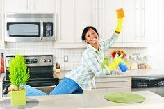 Trucos para quitarle la grasa a los muebles de la cocina