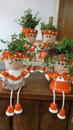 Mrs Claus Clay Pot People Christmas Planter and Candy Bowl - Her Crochet Clay Pot Projects, Clay Pot Crafts, Diy Clay, Crafts To Do, Fall Crafts, Diy Projects, Flower Pot Art, Clay Flower Pots, Flower Pot Crafts