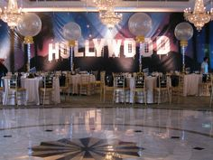 Cool decs! Hollywood Theme Decorations from Balloon Artistry | mazelmoments.com